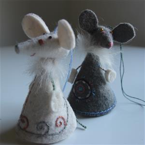 Filz Mäuse Paar bestickt feine Handarbeit aus Kirgisistan Fairtrade