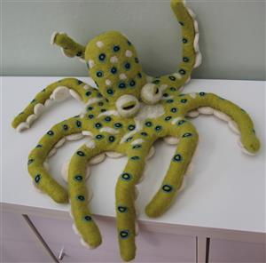 Octopussi Filz Krake handgefertigt 70 cm biegsame Beine