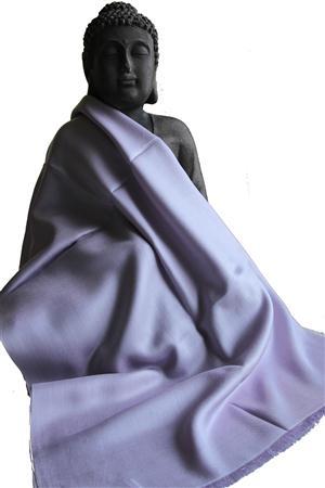 Handgefertigter Seidenschal flieder 45cm x 180cm